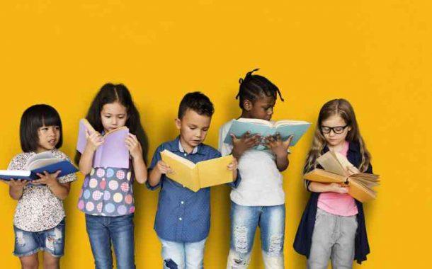 4 إرشادات لتعزيز القراءة عند الأطفال والمراهقين