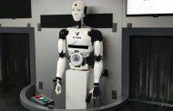 «اتصالات» تكشف عن «روبوت» للمهام الخطرة مدعوم بـ «الجيل الخامس»